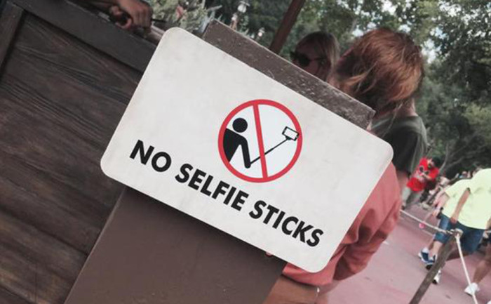 Banned-Selfie-Sticks